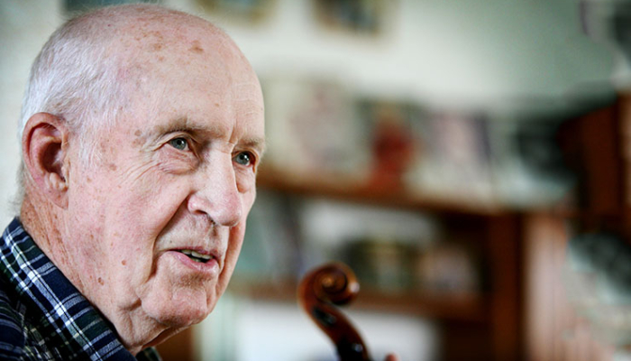 Sven- Ingvar Heij spelman 90 år. Han hyllades med en konsert i Fornbyn, Skara.
